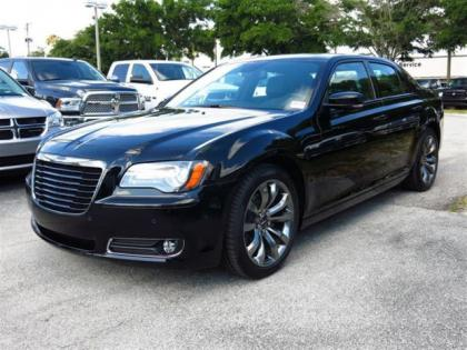 2014 CHRYSLER 300 S - BLACK ON BLACK