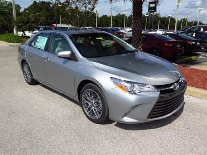 2015 TOYOTA CAMRY HYBRID XLE - SILVER ON GRAY