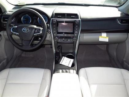 2015 TOYOTA CAMRY XLE - WHITE ON GRAY 4