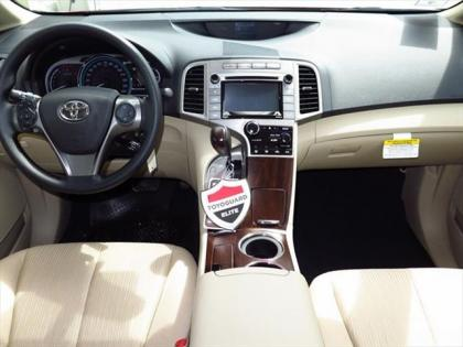 2015 TOYOTA VENZA LE - RED ON BEIGE 3
