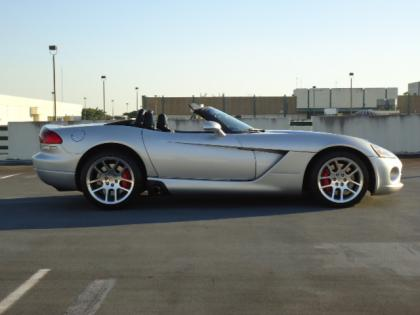 2004 DODGE VIPER SRT-10 - SILVER ON BLACK 3