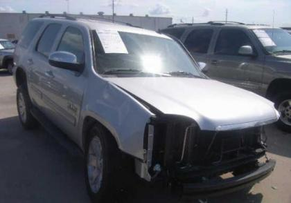 2013 GMC YUKON SLT - SILVER ON GRAY 1