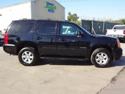 2013 GMC YUKON SLT - BLACK ON BLACK 3