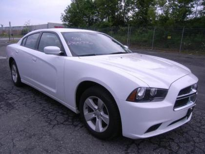 2013 DODGE CHARGER SXT - WHITE ON BEIGE