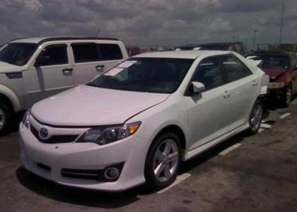 2012 TOYOTA CAMRY XLE - WHITE ON BLACK 2