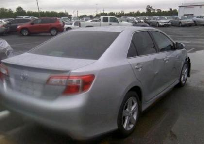 2013 TOYOTA CAMRY SE - SILVER ON BLACK 4