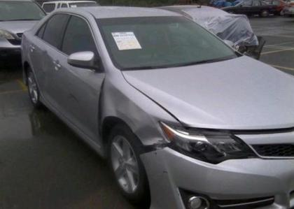 2013 TOYOTA CAMRY SE - SILVER ON BLACK 6