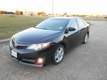 2013 TOYOTA CAMRY SE - BLACK ON BLACK