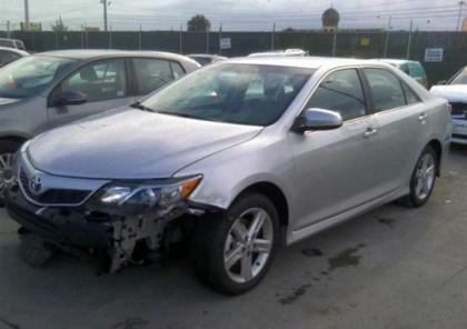 2013 TOYOTA CAMRY SE - SILVER ON BLACK 2