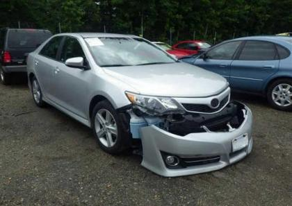 2013 TOYOTA CAMRY SE - SILVER ON BLACK