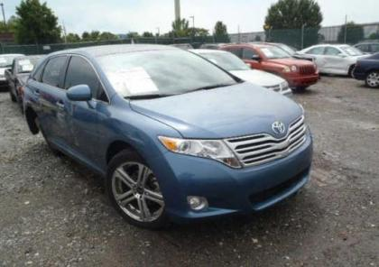 2011 TOYOTA VENZA FWD - BLUE ON BEIGE