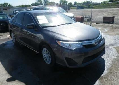 2012 TOYOTA CAMRY SE - GRAY ON GREY 1