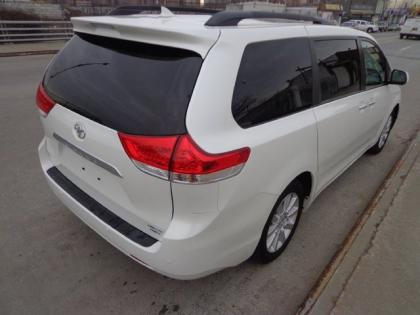 2012 TOYOTA SIENNA LIMITED - WHITE ON GRAY 4