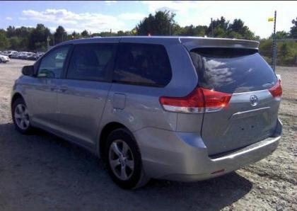 2012 TOYOTA SIENNA LE - SILVER ON GRAY 3