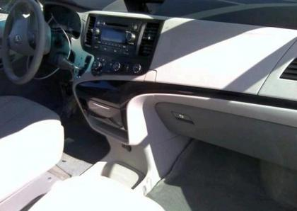 2012 TOYOTA SIENNA LE - SILVER ON GRAY 5