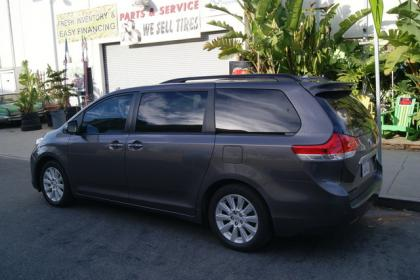2012 TOYOTA SIENNA LIMITED - GRAY ON GRAY 3
