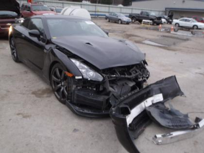 2009 NISSAN GT-R PREMIUM - BLACK ON BLACK