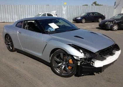 2009 NISSAN GT-R PREMIUM - SILVER ON BLACK 1
