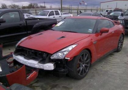 2014 NISSAN GT-R PREMIUM - RED ON BLACK 2