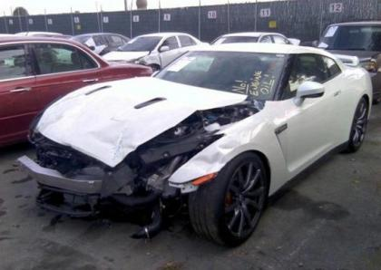 2014 NISSAN GT-R PREMIUM - WHITE ON BLACK 2