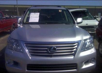 2011 LEXUS LX570 BASE - SILVER ON BLACK 6