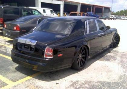 2004 ROLLS ROYCE GHOST V12 - BLACK ON BLACK 4