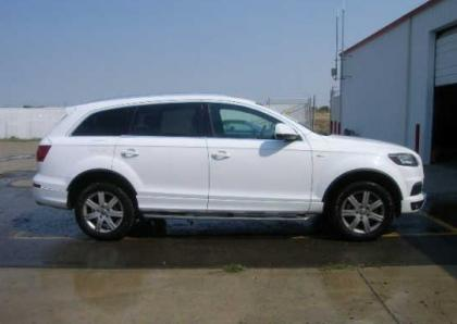 2011 AUDI Q7 PRESTIGE - WHITE ON BLACK 6
