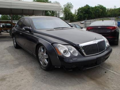 2004 MAYBACH 57S BASE - BLACK ON BLACK