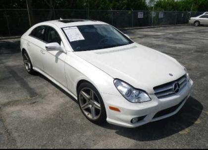 2010 MERCEDES BENZ CLS550 BASE - WHITE ON BEIGE