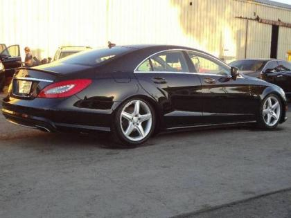 Export salvage 2012 mercedes benz cls550 base black on black for Mercedes benz cls 2012 price