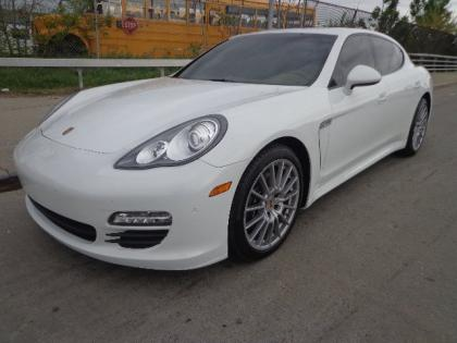 2013 PORSCHE PANAMERA V6 - WHITE ON BEIGE