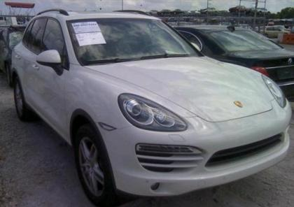 2011 PORSCHE CAYENNE V6 - WHITE ON GRAY