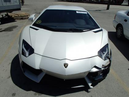 2013 LAMBORGHINI AVENTADOR LP700-4 - WHITE ON BLACK 8