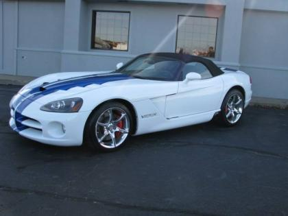 2010 DODGE VIPER SRT-10 - WHITE ON BLACK 1