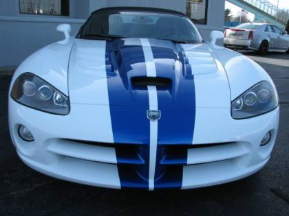 2010 DODGE VIPER SRT-10 - WHITE ON BLACK 2