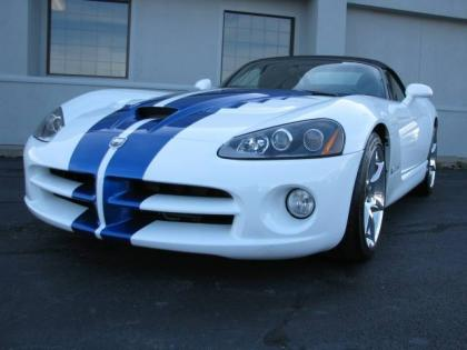 2010 DODGE VIPER SRT-10 - WHITE ON BLACK 3