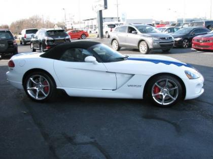 2010 DODGE VIPER SRT-10 - WHITE ON BLACK 4