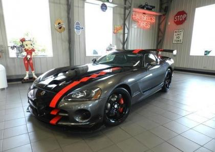 2009 DODGE VIPER SRT-10 - BLACK ON BLACK