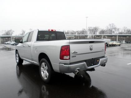 2010 DODGE RAM 1500 BIG HORN - SILVER ON GRAY 4