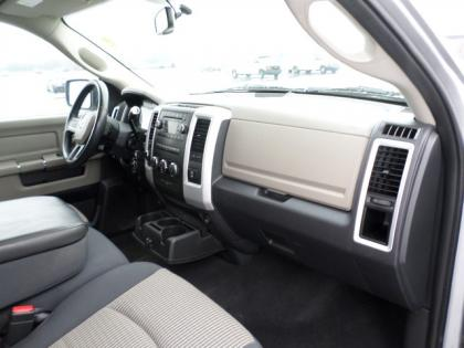 2010 DODGE RAM 1500 BIG HORN - SILVER ON GRAY 5
