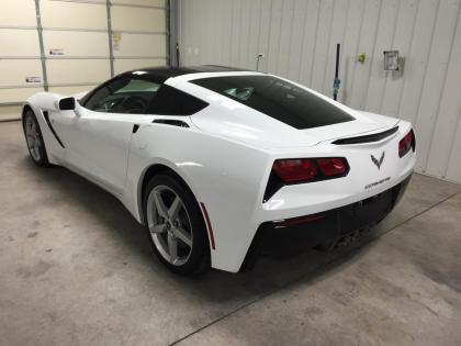 2015 chevrolet corvette 1lt white on black 4 - Corvette 2015 White