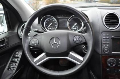2010 MERCEDES BENZ GL350 BLUETECH - SILVER ON BLACK 8