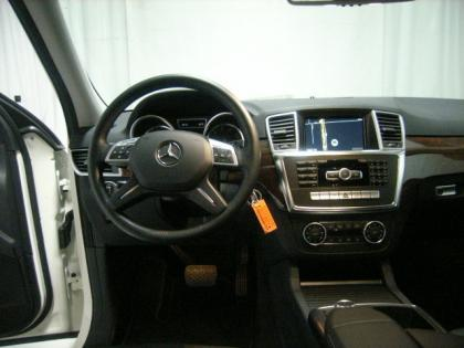 2012 MERCEDES BENZ ML350 W4 - WHITE ON BLACK 5