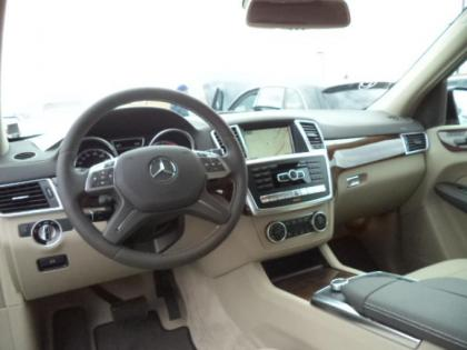 2015 MERCEDES BENZ GL350 BLUTEC - BLACK ON BEIGE 4