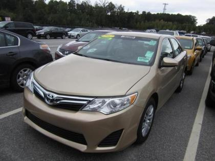 Export Used 2012 Toyota Camry Le Gold On Gray