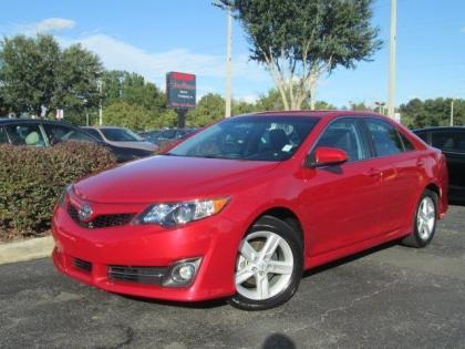 2013 TOYOTA CAMRY SE - RED ON BLACK