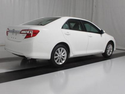 2013 TOYOTA CAMRY XLE - WHITE ON BEIGE 2