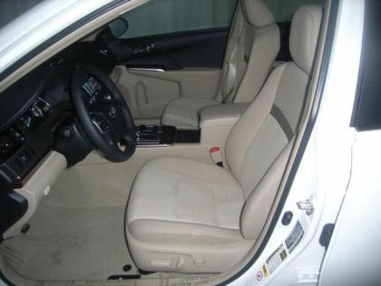 2013 TOYOTA CAMRY XLE - WHITE ON BEIGE 3