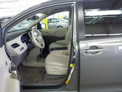 2013 TOYOTA SIENNA LIMITED - GREEN ON BEIGE 3