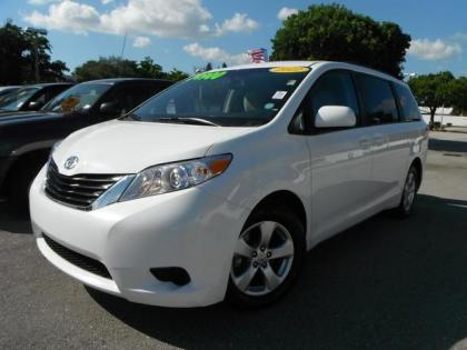 2011 TOYOTA SIENNA LE - WHITE ON GREY